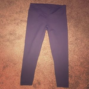 Fabletics Cropped Workout pants